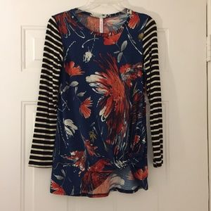 NWT Long sleeve striped front twist top